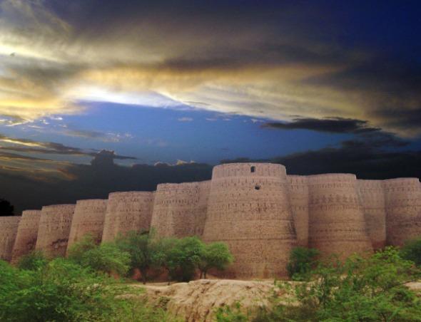 Derawar Fort - Cholistan Desert