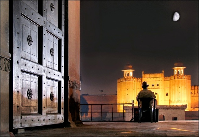 An evening at Lahore Fort | Photographed by Micheal Foley